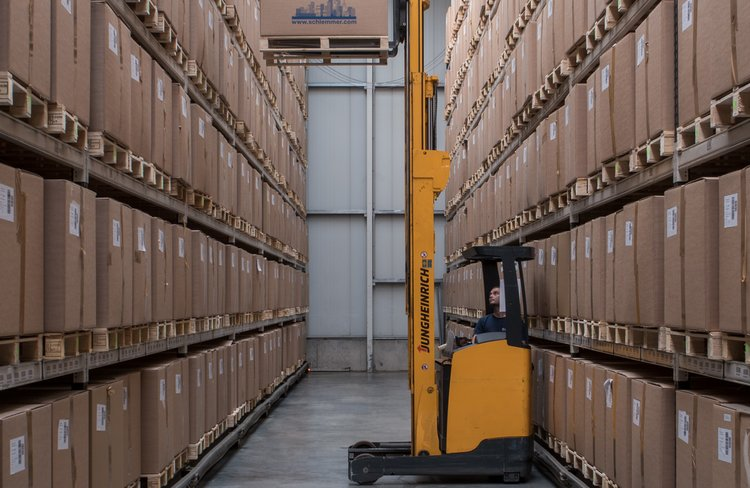 Forklift truck in Hassfurt warehouse